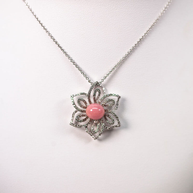 Conch Pearl Flower Necklace - Jewelers Trade Shop
